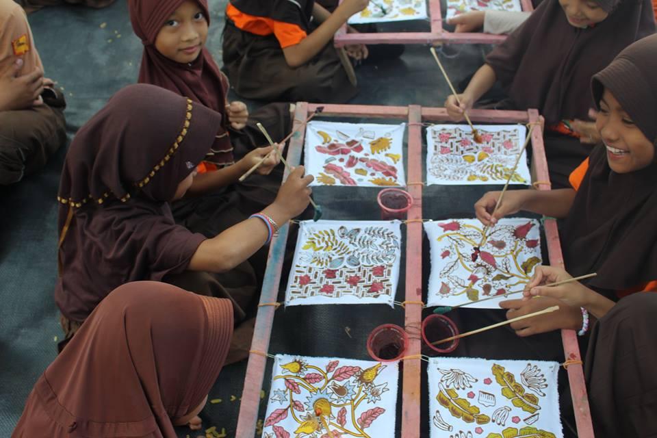 83+ Gambar Batik Kreasi Paling Keren